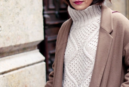 1359081707Turtle_Neck_Sweater-Oversize_Coat-Outfit_Street_Style-15